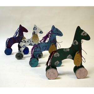 Игрушка лошадь на колёсиках (2)